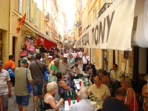 Lunch time, Rue-Emile-de Loth, Monaco.  2011