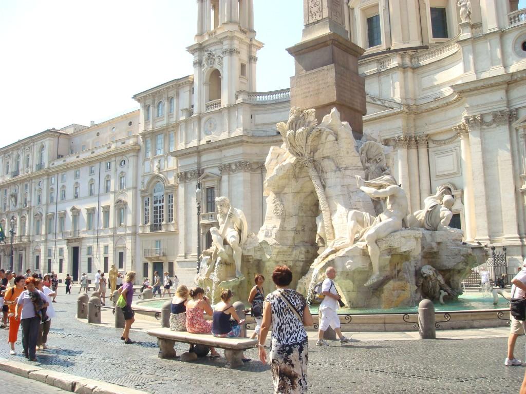 Piazza Navaro, Rome, Italy.  2011
