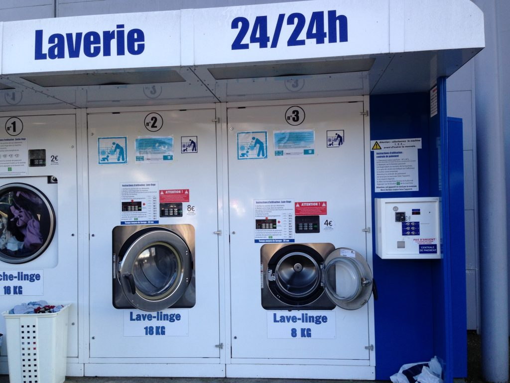 Another good thing about Carrefour, many have a laundromat.