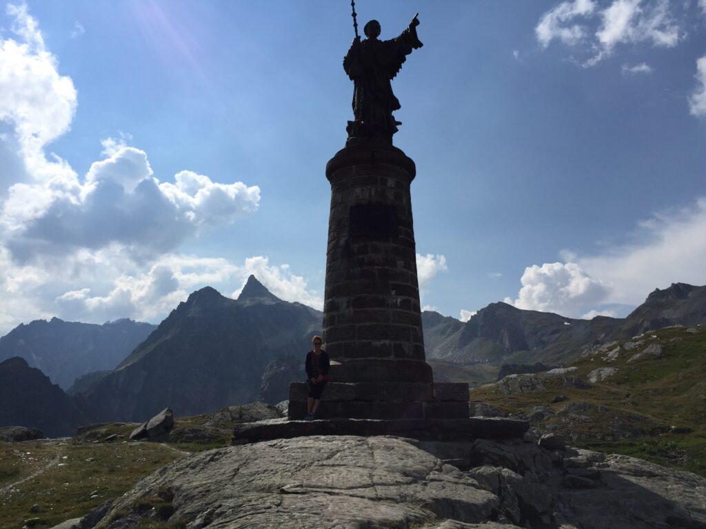 Statue of Saint Bernard.