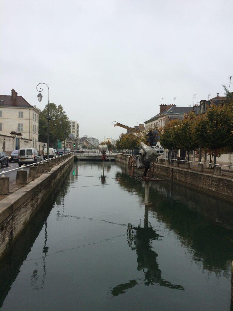 Same canal different art work.