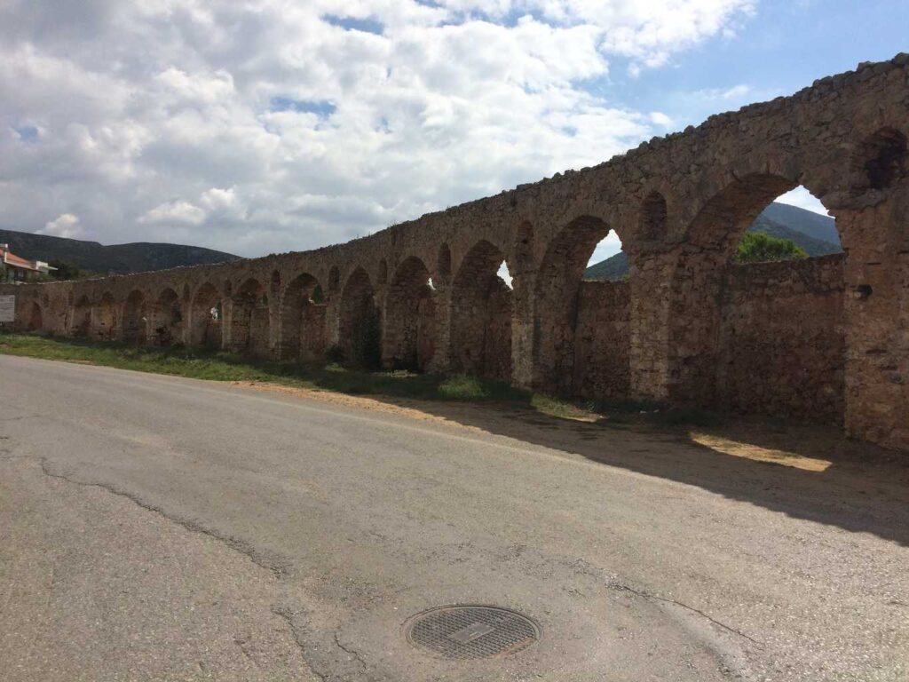 The aqueduct at Pylos, no signs we just happened upon it.