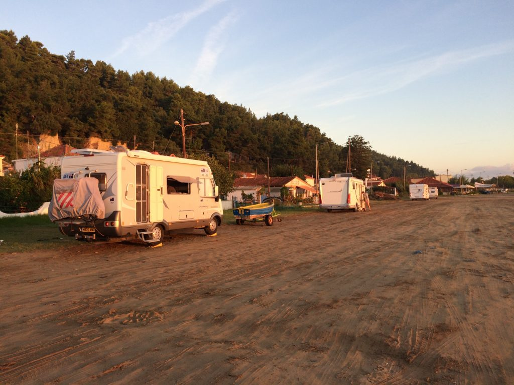 Free camping in Kataloko.